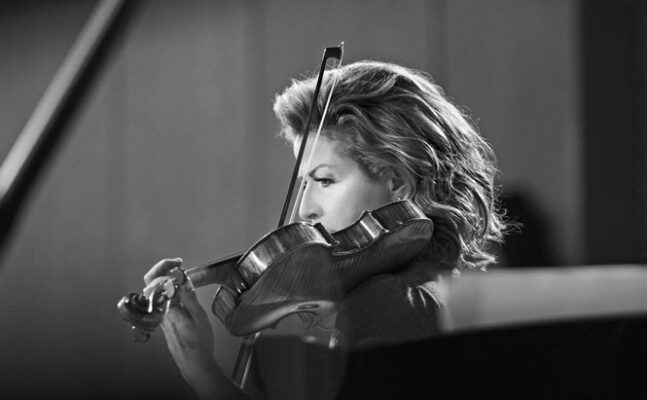 Anne-Sophie Mutter - Violinist truer med at forlade koncert | Magasinet KLASSISK